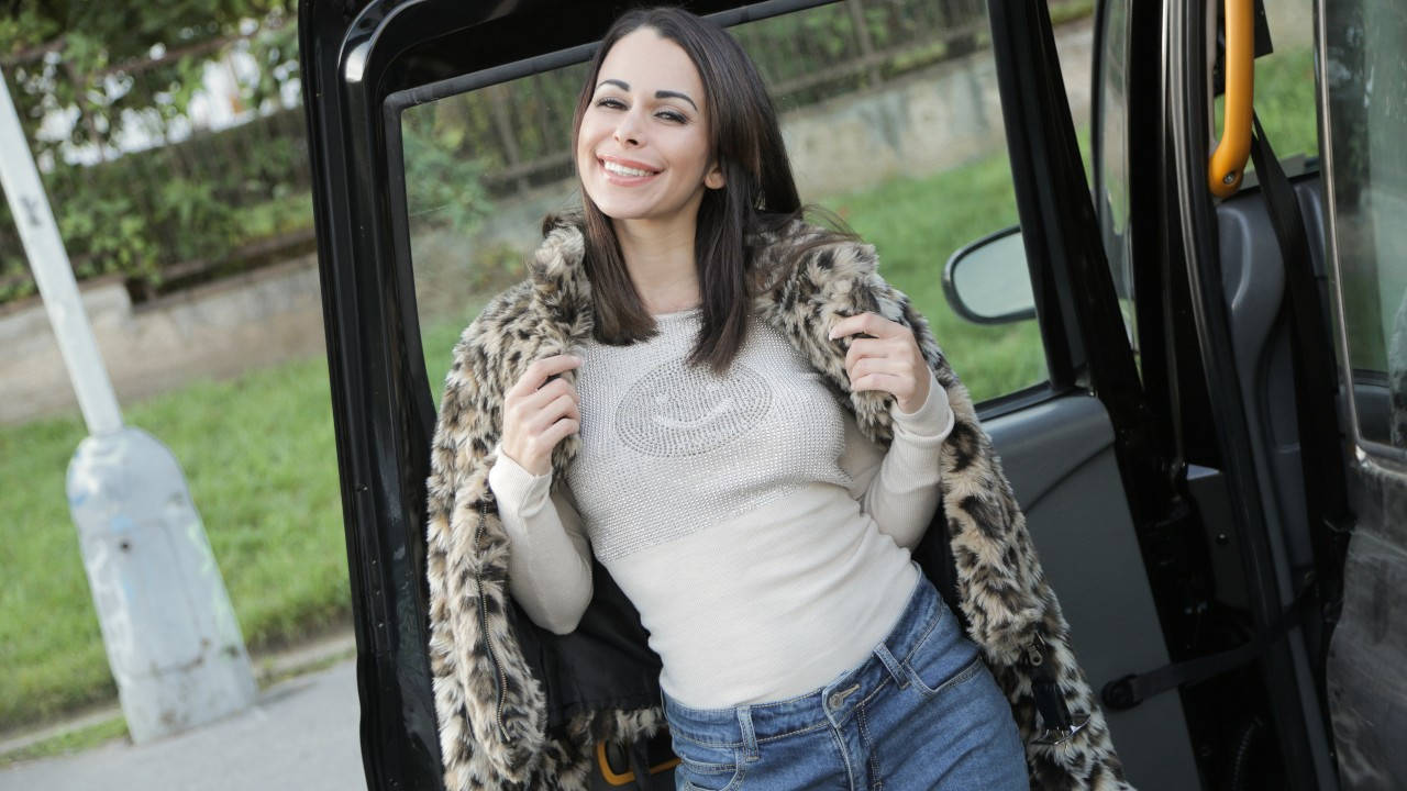 [FakeTaxi] Jessy Jey (Cheeky Cabbie bekommt Pannenfick / 19.05.2021)